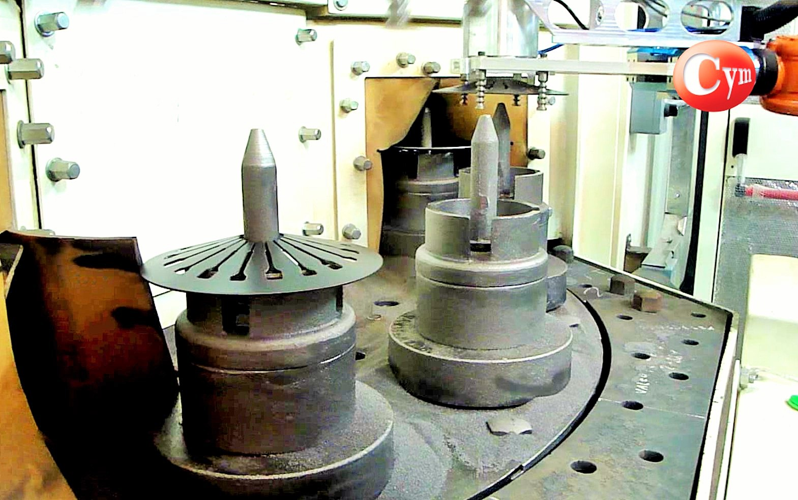 shot-peening-de-discos-de-embragues-SAT6-carga-automatica-con-robots-cym